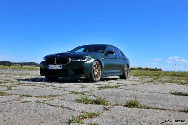 BMW M5 CS schräg vorne links