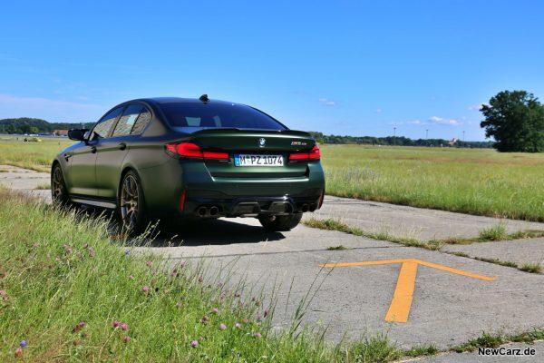 BMW M5 CS schräg hinten links