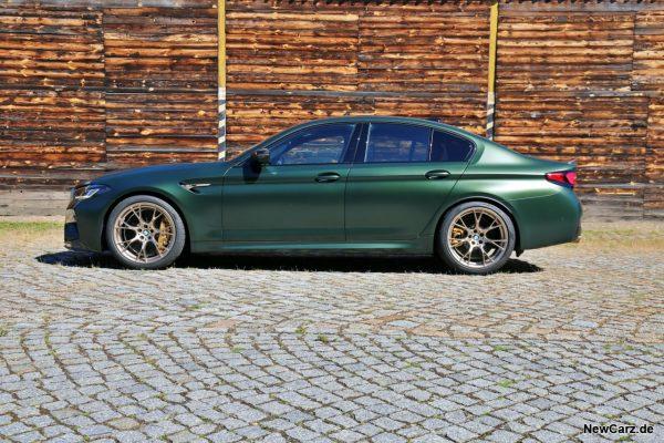 BMW M5 CS Seitenansicht Pflaster