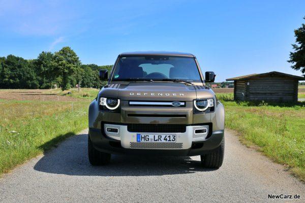 Land Rover Defender 110 Front