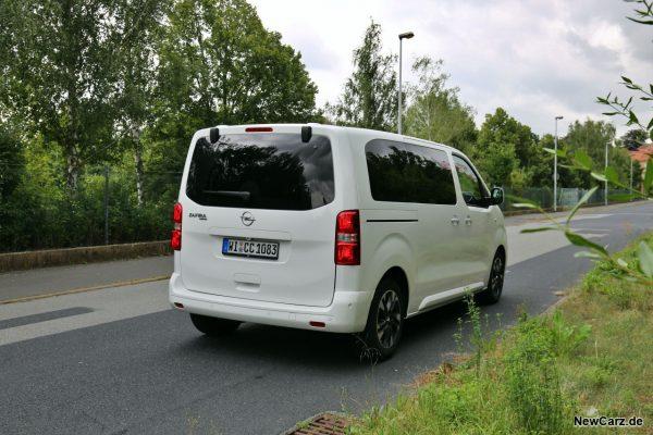 Opel Zafira Life schräg hinten rechts