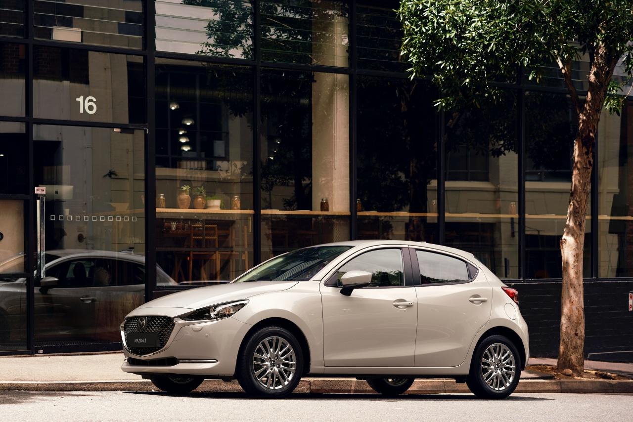 Mazda2 2022