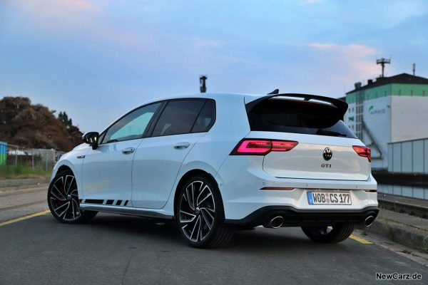 VW Golf GTI Clubsport schräg hinten links
