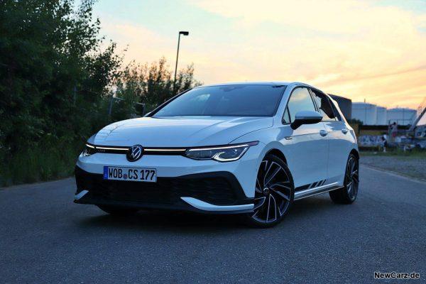 VW Golf GTI Clubsport schräg vorn links